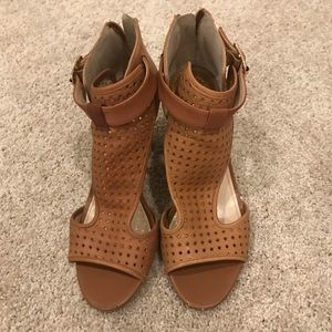 Vince Camuto Camel Colored Shoes, Size 9